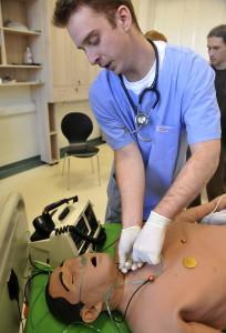 Gyakorlóbabán tanulnak az orvostanhallgatók