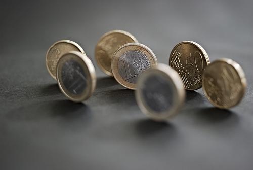 A gazdasági hírekre szinte minden esetben reagál az euró árfolyama
