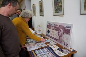 Konferencia a helyi pénzekrõl Sopronban